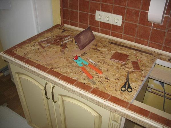 Столешница из плитки для кухни своими руками видео